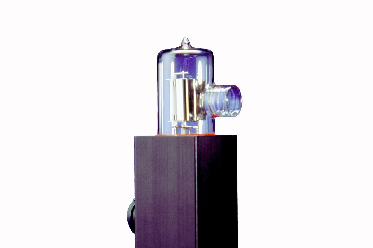 OL UV-40 Ultraviolet Irradiance Standard